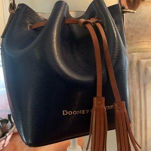 Dooney & Bourke All Weather Bucket Bag Gr Condit.